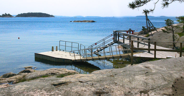 Wheelchair access jetty.